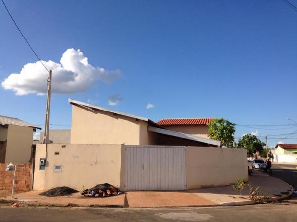 Rua Ísaura Garcia Oliveira, 351