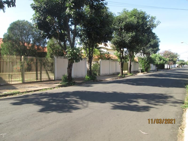 Rua das Quaresmeiras, 245