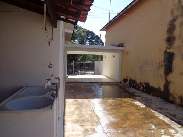 Av. Rui Barbosa, 990
